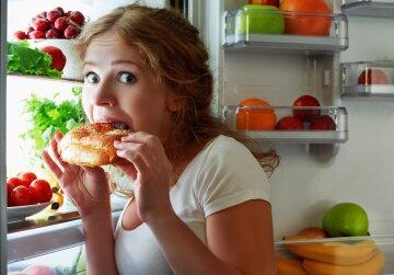 mangiare-frigo-donna