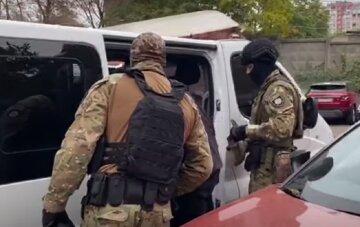 """""""Кулаком в лицо"""": в Одессе неадекват устроил дебош и избил полицейского, подробности"""
