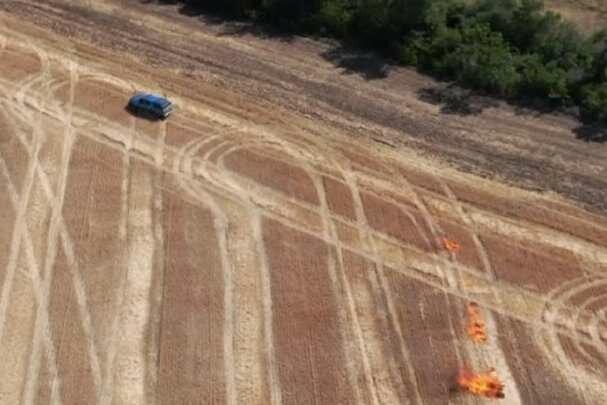 Пожары охватили леса Луганщины: в сети показали видео поджога