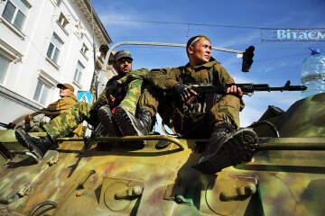 Pro-Russian Separatists Control Eastern Ukraine City Of Lugansk