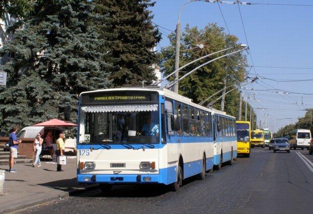 Троллейбус, Днепр