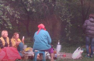 Пікніки на травневі свята заборонили: як покарають порушників, деталі рішення місцевої влади