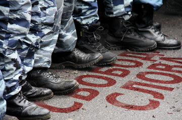У Криму масово блокують українські ЗМІ (фото)