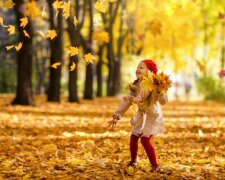 осень ребенок радость