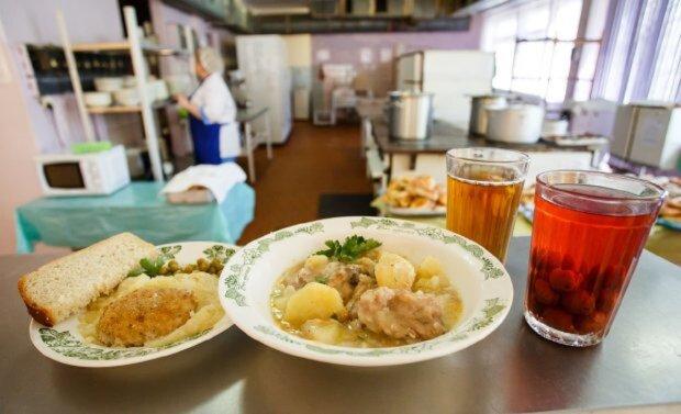 Харчування у школах різко подорожчає в Одесі: відомо на скільки