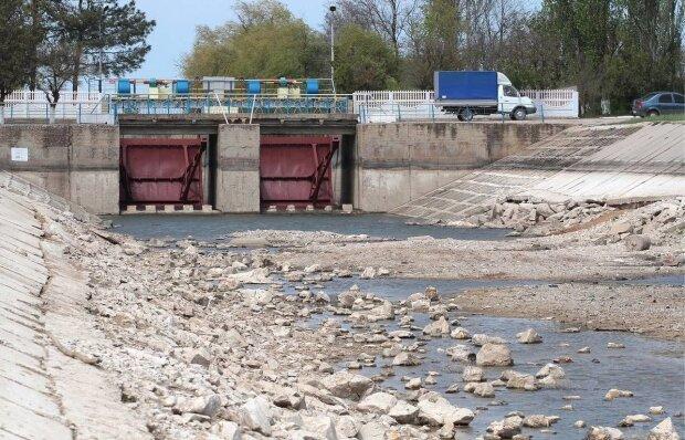 """РФ готує спецоперацію по поверненню водопостачання в Крим: """"Може закінчитися бойовими діями"""""""