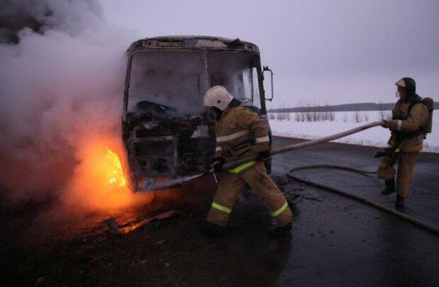 автобус сгорел