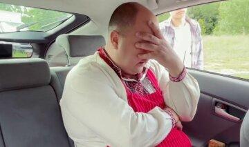 """Юрія Ткача """"запакували"""" в поліцейську машину разом з колегою: """"Нас підставили!"""""""