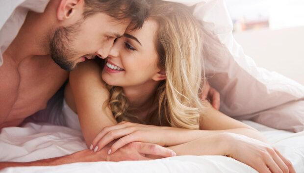 """Картинки по запросу """"мужчина и женщина в кровати"""""""