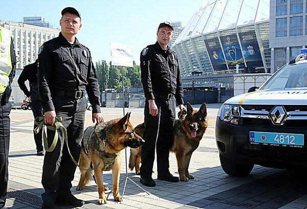 Лига чемпионов Киев полиция