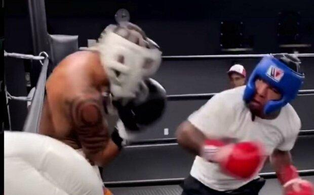 """Девіс показав відео, як він б'є Редкача: """"Був не в формі, щоб..."""""""