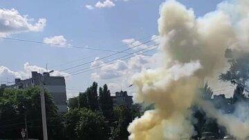 """В Харькове прямо из-под земли вырвался столб огня, видео: """"Горит земля!"""""""