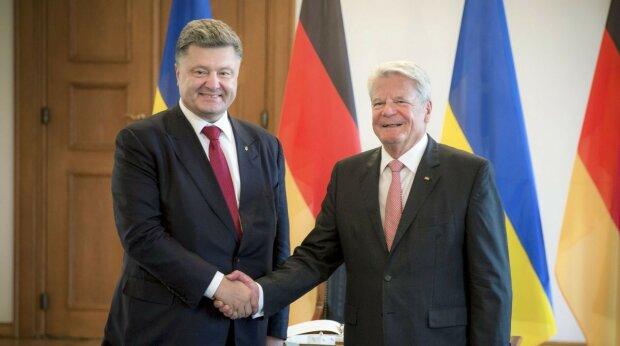 Петр Порошенко и президент Германии Йоахим Гаук УНИАН