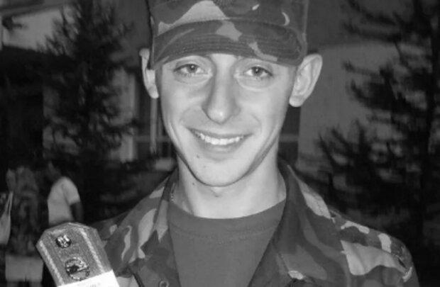"""Молодий Герой ціною життя врятував екіпаж танка, що потрапив під обстріл на Донбасі: """"Назавжди 21..."""""""