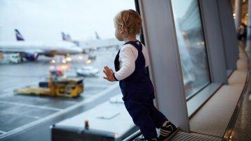 ребенок, аэропорт