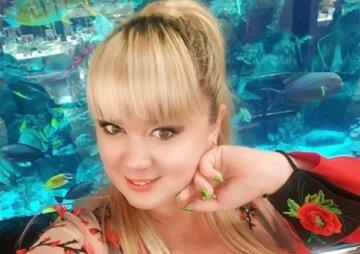 """Украинка с 15-м размером потрясла """"бомбочками"""" в замедленной съемке: """"Международный день декольте"""""""