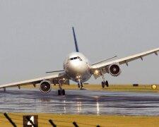 самолет-лайнер