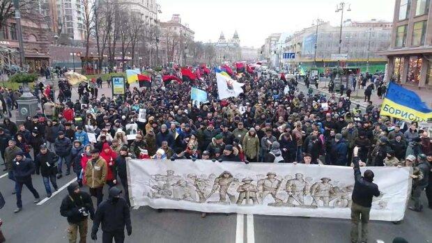 Багровый бунт Саакашвили сняли с непривычного ракурса