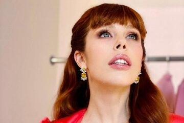 """Игривая Соня Плакидюк из «Супер топ-модель по-украински» взбудоражила дерзким образом в мини-платье: """"Женщина-ёлка"""""""