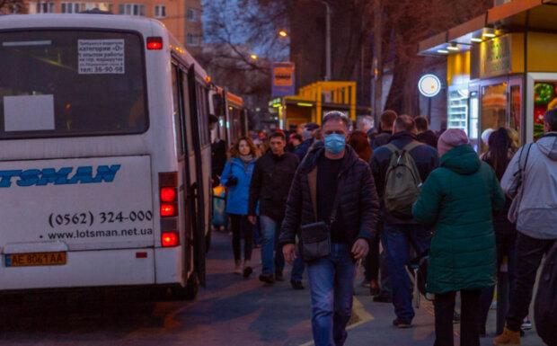 У Дніпрі кардинально змінився рух транспорту: як виглядають оновлені маршрути
