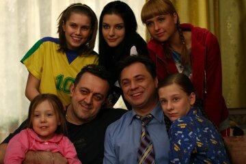 """Гаряча """"Татова донька"""" Карпович таємно окільцювала Прилучного, розкрито деталі: """"Змусила!"""""""
