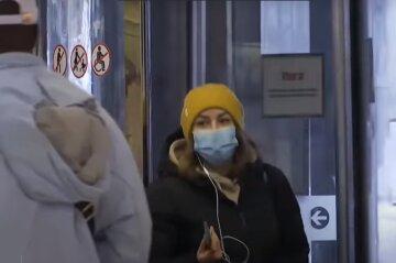 """Одноразовая маска от вируса: ученые ответили, можно ли ее носить несколько дней, """"волокна распадаются и..."""""""