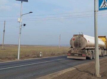 """Трассу Одесса-Рени решили раздерибанить, кадры беспредела: """"выведены из строя..."""""""