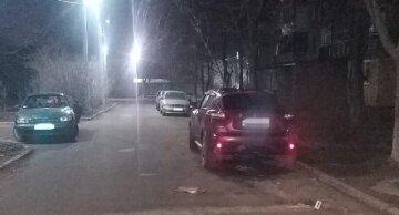 """Под Одессой женщина с сообщником устроила """"расправу"""" над бывшим сожителем: """"забросала мусором и подожгла"""""""
