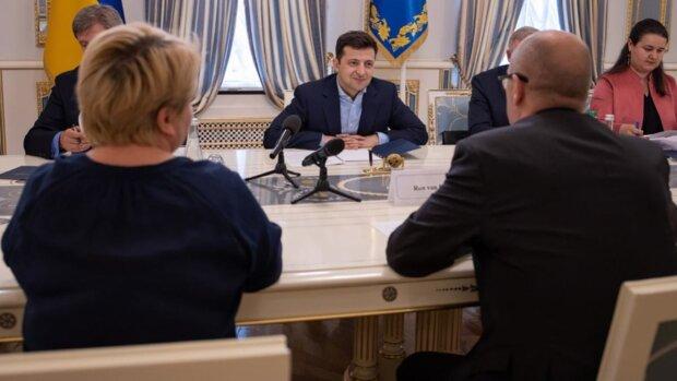 """""""Вимагати не будуть"""": в Україні знайшли лазівку, як не повертати гроші МВФ"""