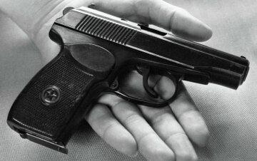 оружие самоубийство