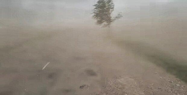 """Аномальная буря обрушилась на Украину: появились кадры из эпицентра, """"как в пустыне..."""""""
