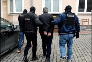 """Украинец расправился с сыном и напал на жену в Польше: """"Хотел защитить семью"""""""