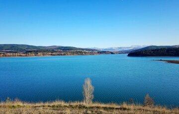Бедствие настигло важное водохранилище в Крыму, воды не осталось: кадры катастрофы