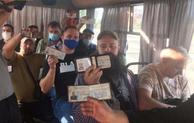 """Ветерани АТО провчили нахабного маршрутника, з'явилися фото: """"18 бійців зібралися і..."""""""