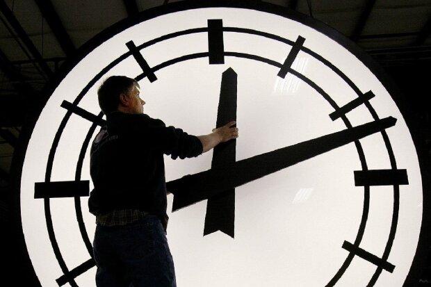 Перевод часов на летнее время, карантин, коронавирус
