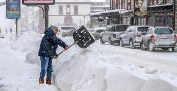 """Снігова буря не вщухає в Одесі, оголошено червоний рівень небезпеки: """"вдень очікується..."""""""