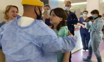 """Дзідзьо, Козловського, Єфросиніну та інших зірок потряс вчинок Монатіка в дитячій лікарні: """"Діма, ти любов"""""""