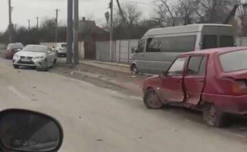 """Чотири авто всмятку: у Харкові сталася страшна аварія, """"розлетілися по сторонах"""", фото"""