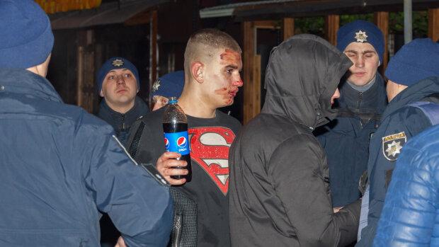 Супермен уже не тот: у ночного клуба в Днепре завязалась массовая драка
