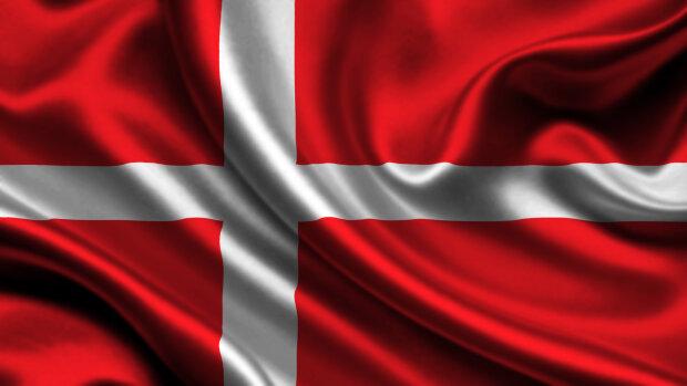 denmark-daniya-flag