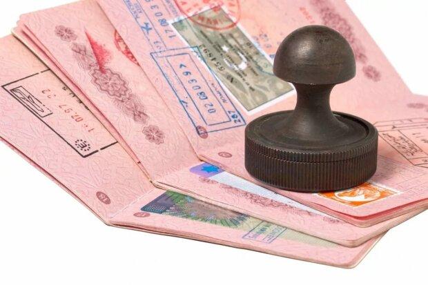 В какие страны украинцам легче всего получить визу