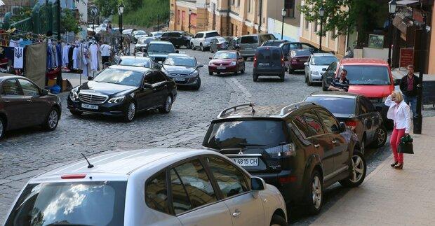 Як навчитися правильно паркуватися, щоб уникнути нових штрафів за парковку: шість порад