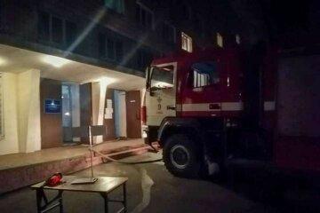 Огонь охватил общежитие в Виннице, в здании оказались 200 человек: детали ЧП