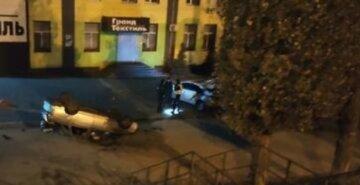 """У мотлох п'яний водій злетів з моста в Харкові, фото: """"зробив сальто і приземлився на..."""""""