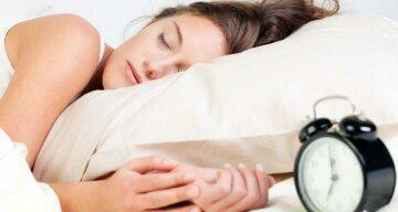 Розлад психіки та інсульт: чим тривалий сон небезпечний для здоров'я