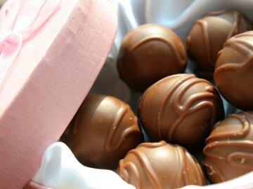 сделать шоколад и печенье на День святого Валентина