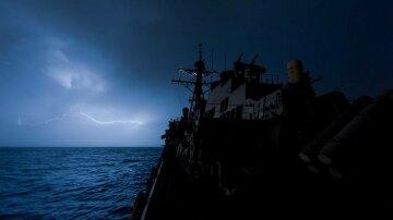 корабль ночь море