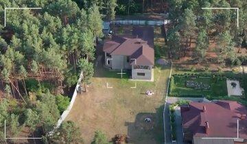 Роскошный двухэтажный особняк Юзика из «Квартал 95» сняли с воздуха: «Расположен в…»