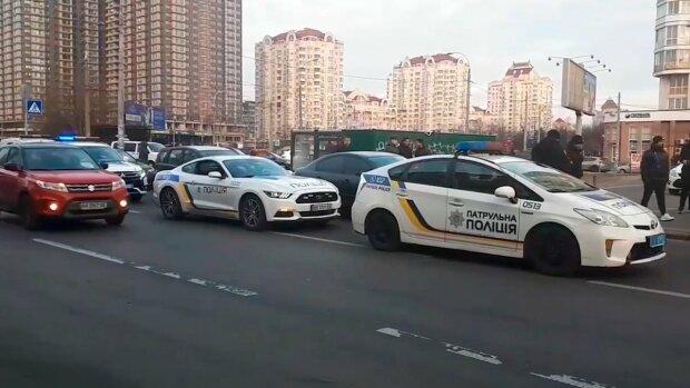 ЧП под Киевом: мужчина открыл стрельбу посреди улицы, съехались силовики