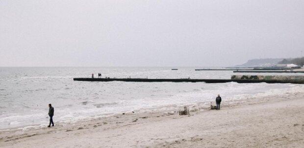 Аномальное явление на Черном море поразило одесситов: удивительные кадры
